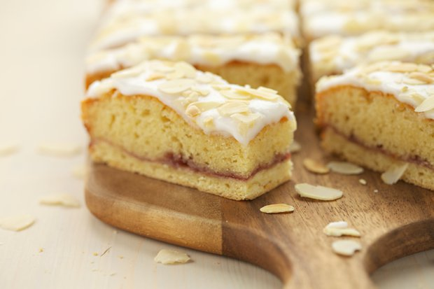 000 bakewell slices main