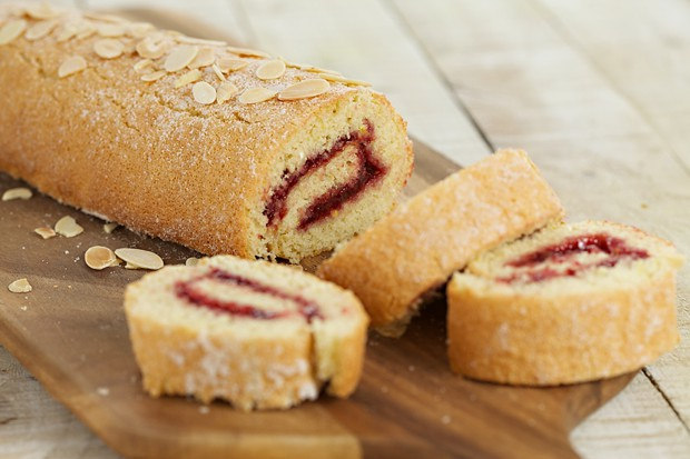 583 raspberry swiss roll (1)-main