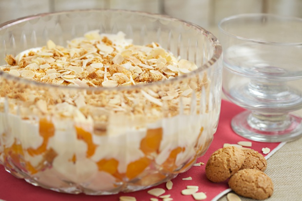 904 Ameretti and Apricot Trifle (1)