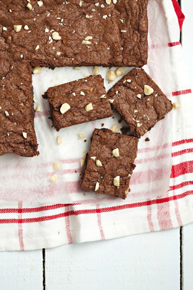 1435 hazelnut brownies main