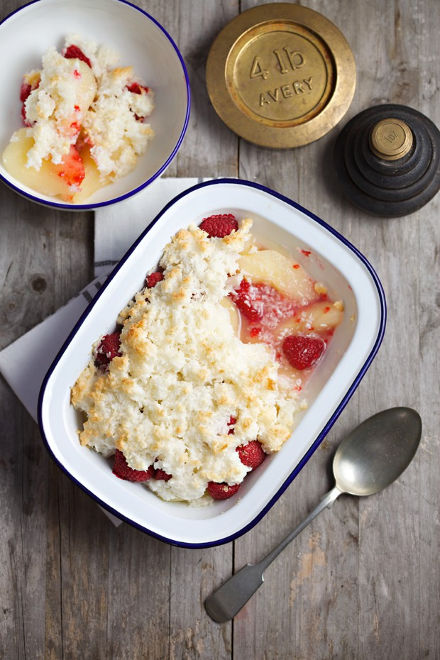 1644 pear and raspberry crumble main
