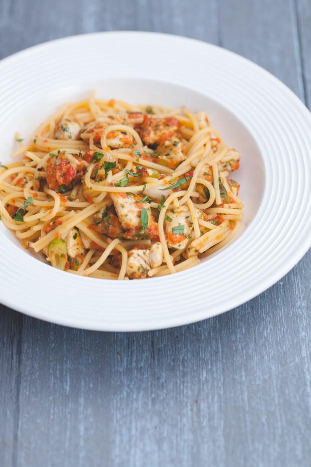 2663_pesto_spaghetti-nosh-sugar-free-gluten-free-recipe-main